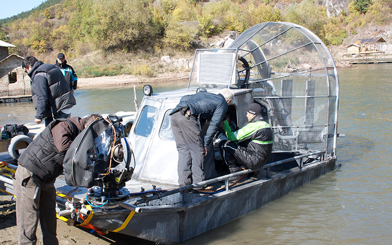 Air-boat-Used-in-Expendables-II