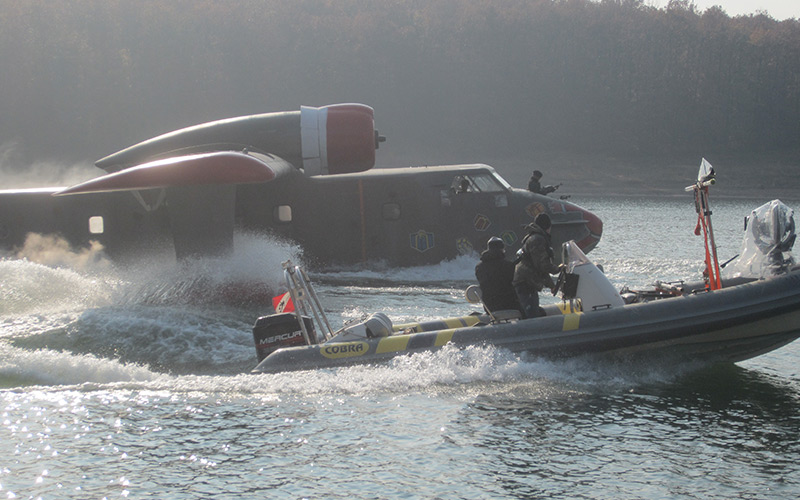 Expendable-II,-Camera-boat