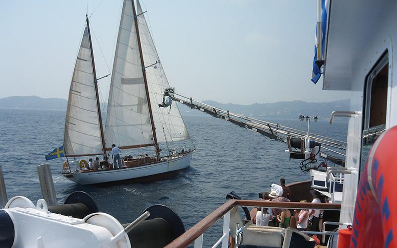Mamma-Mia,-camera-boat-filming-action-boat