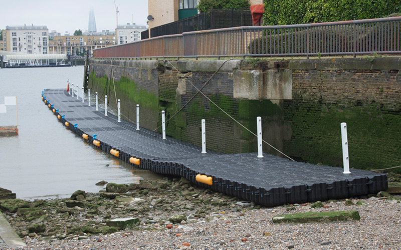 Pontoon-used-for-the-Queens-Jubilee