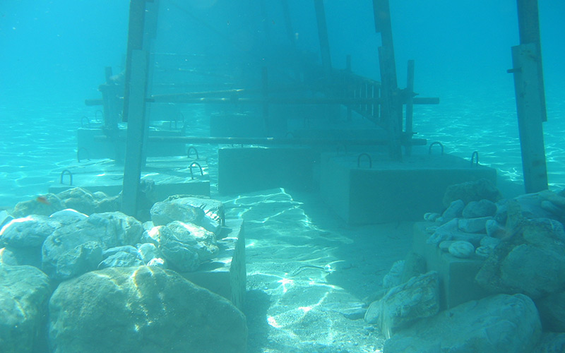 Underwater-construction-for-jetty-on-Mama-mia-035